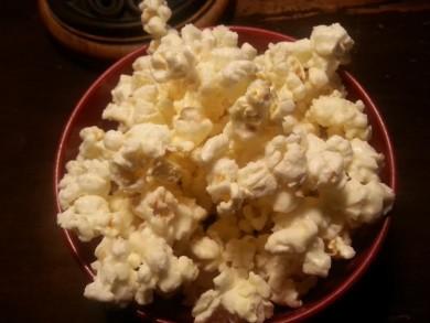 White Christmas Popcorn