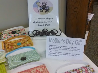 Mothers Day chocolate-bar-filled paper purses